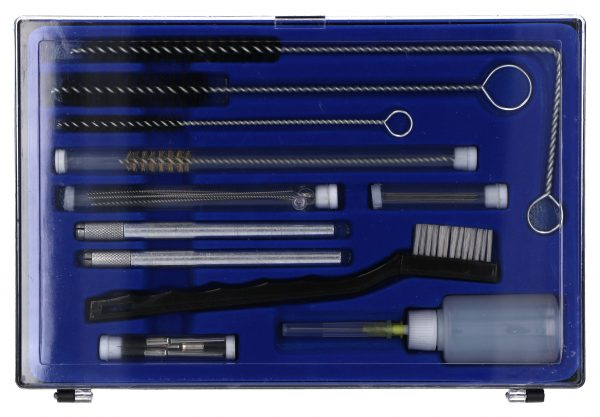 Cleaning kit for sprayguns