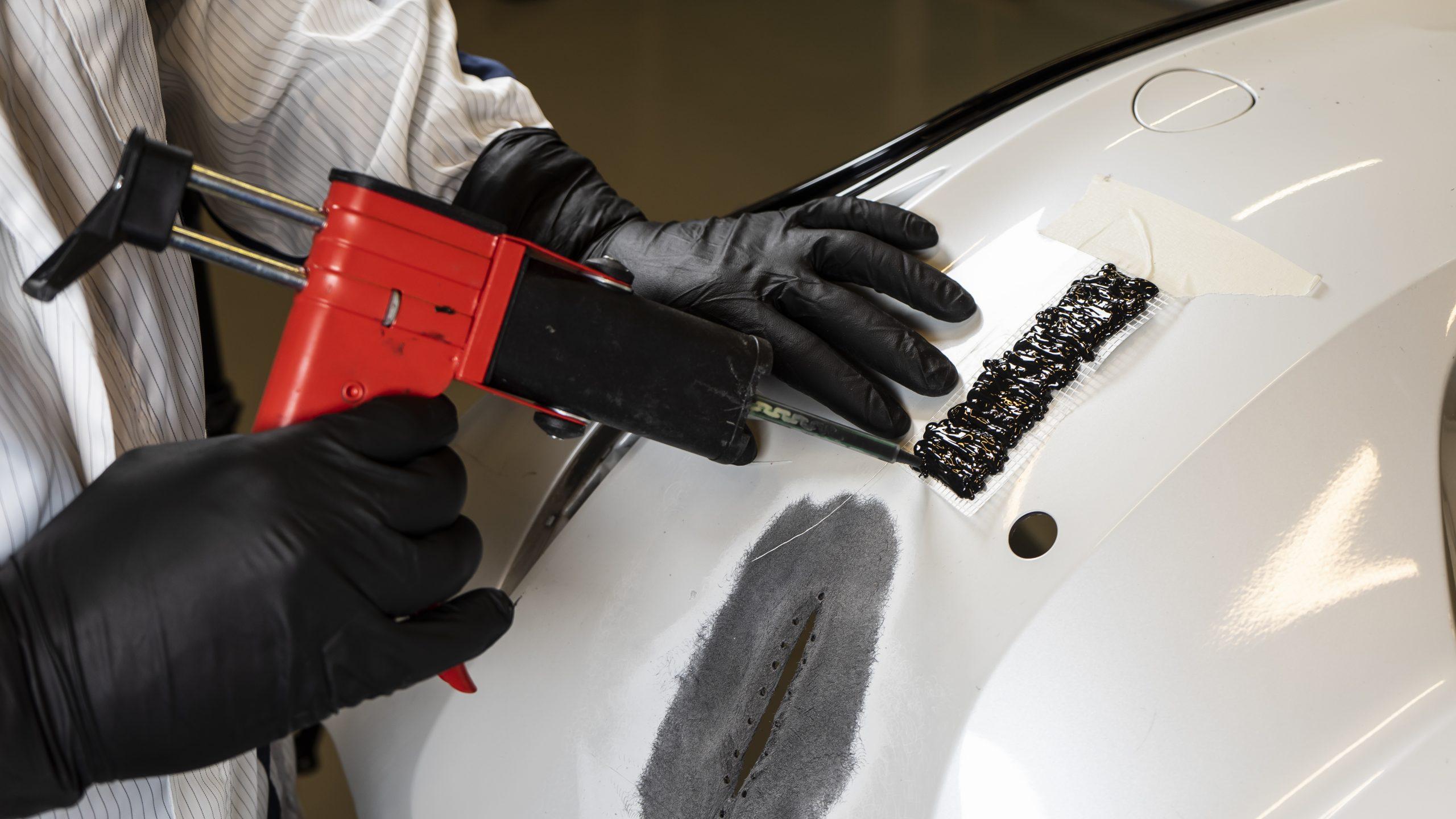 Applicator gun for Plastic Repair